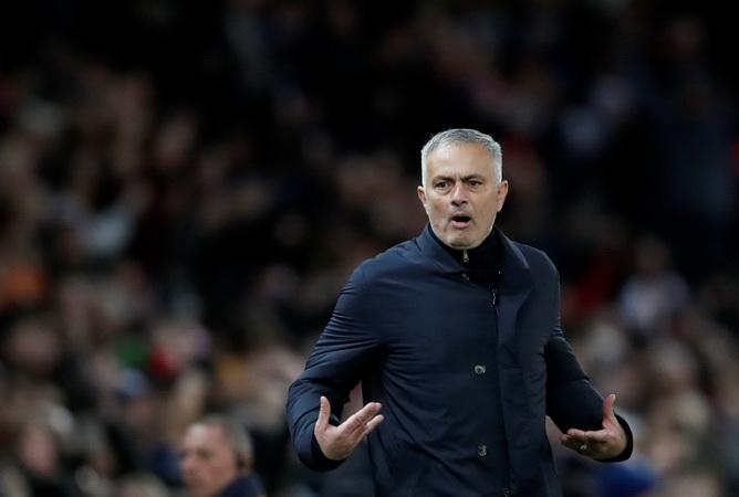 https: img.okeinfo.net content 2018 12 07 45 1988185 man-united-gagal-lolos-ke-liga-champions-mourinho-dipecat-dan-tunjuk-pochettino-bkN4jcs3XZ.jpg