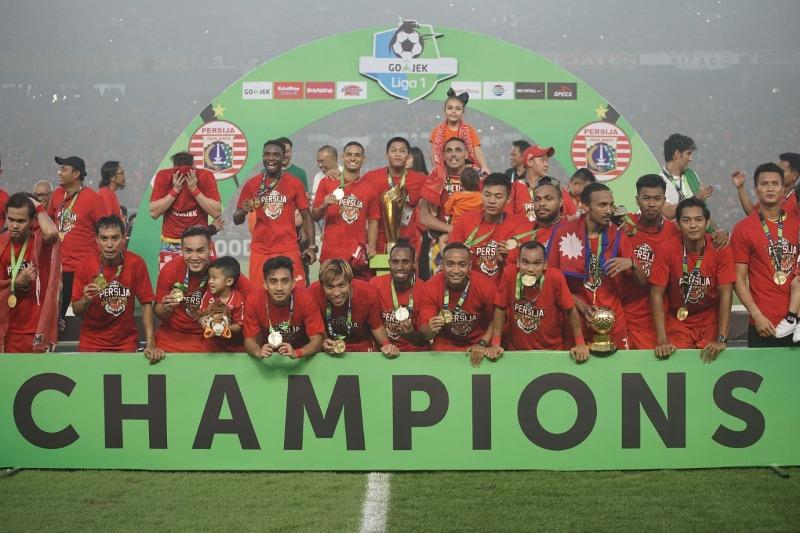 https: img.okeinfo.net content 2018 12 09 49 1988899 penantian-17-tahun-persija-jakarta-akan-gelar-juara-liga-indonesia-zyE4LRhrcY.jpeg