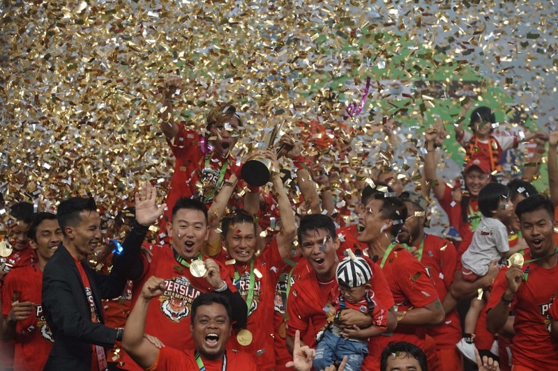 https: img.okeinfo.net content 2018 12 09 49 1988921 foto-foto-perayaan-pesta-juara-persija-jakarta-Xph023QMNg.jpeg