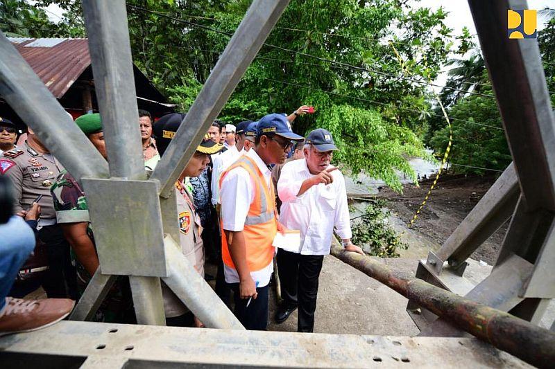 https: img.okeinfo.net content 2018 12 14 320 1991352 pasca-ambruk-pembangunan-jembatan-batang-kalu-dimulai-januari-2019-0eq4ahACEj.jpg