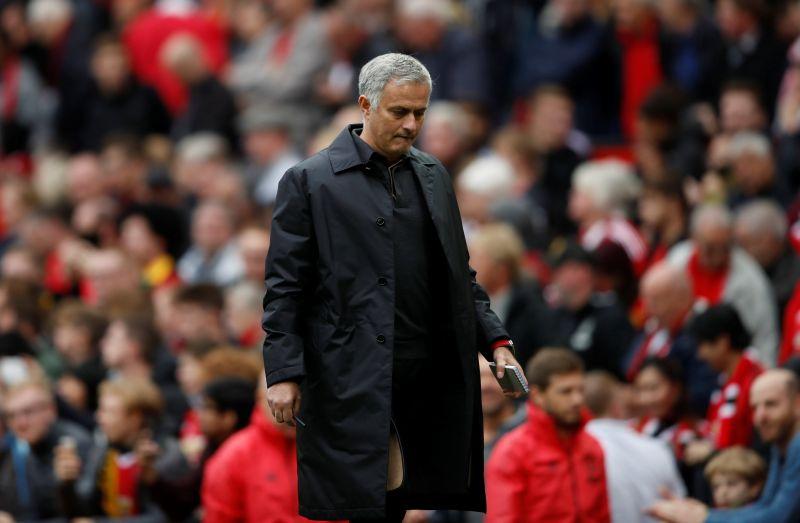 https: img.okeinfo.net content 2018 12 19 45 1993222 mourinho-dipecat-neville-nilai-solskjaer-pilihan-tepat-untuk-man-united-d7uoIbYG2M.jpg
