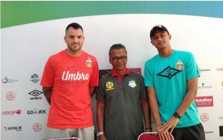 https: img.okeinfo.net content 2018 12 20 51 1993925 ditunjuk-jadi-pelatih-timnas-indonesia-ini-catatan-simon-mcmenemy-XIKr51DSeK.jpg
