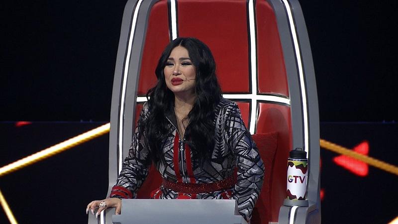 https: img.okeinfo.net content 2018 12 20 598 1994159 demi-peserta-the-voice-indonesia-2018-ini-titi-dj-telepon-melly-goeslaw-nYV0QOqZrx.jpg