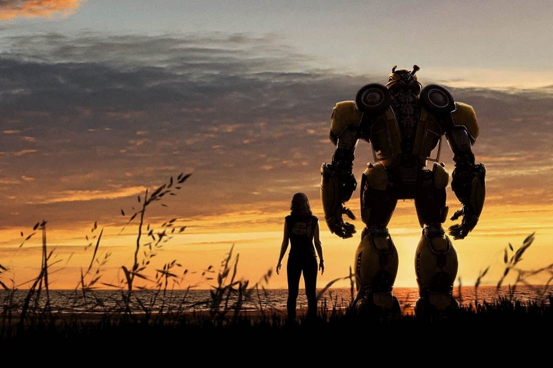https: img.okeinfo.net content 2018 12 21 206 1994410 bumblebee-hajar-dropkick-dalam-klip-terbaru-prekuel-transformers-TpjSK1rf3S.jpg