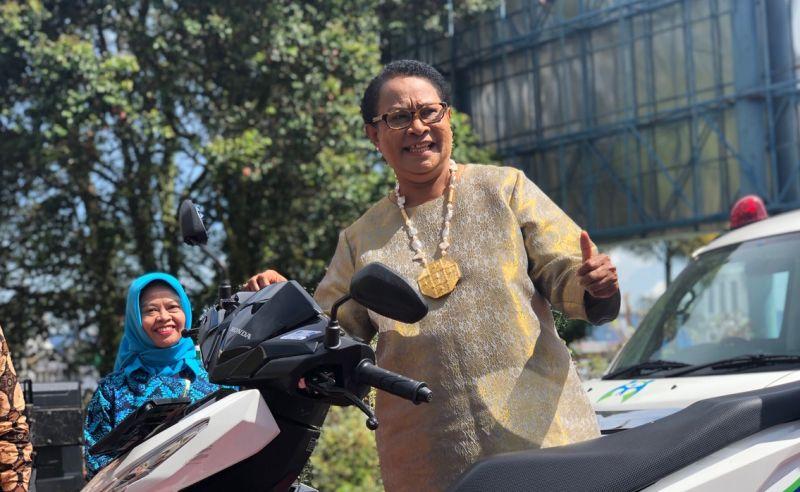 https: img.okeinfo.net content 2018 12 22 196 1994762 hari-ibu-mama-yo-ingin-lindungi-perempuan-dan-anak-dengan-speedboat-KyqmkxEgoz.jpg