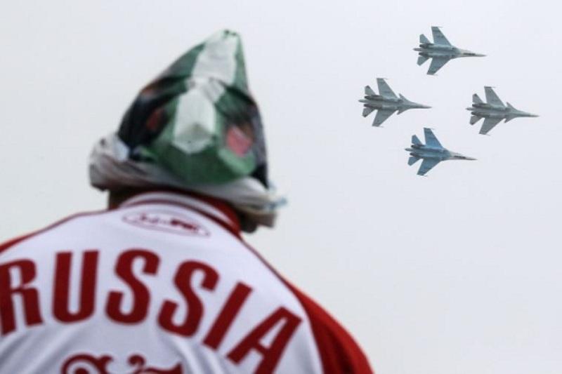 https: img.okeinfo.net content 2018 12 23 18 1995001 lusinan-pesawat-tempur-rusia-tiba-di-krimea-di-tengah-ketegangan-dengan-ukraina-qe5DRDkfmy.jpg