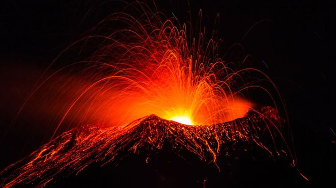 https: img.okeinfo.net content 2018 12 24 406 1995440 wisata-gunung-berapi-semakin-menantang-semakin-didekati-BC2iLyzuCy.jpg