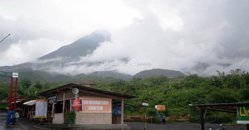 https: img.okeinfo.net content 2018 12 25 510 1995618 aktivitas-gunung-merapi-waspada-guguran-lava-pijar-meluncur-ke-kali-gendol-tQRtmXDeaa.jpg