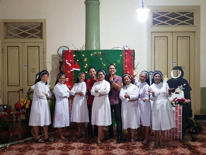 https: img.okeinfo.net content 2018 12 25 525 1995882 potret-toleransi-dalam-perayaan-natal-di-kota-wali-92Ib6XyU1i.jpg
