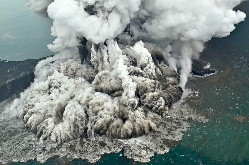 https: img.okeinfo.net content 2018 12 30 337 1997693 21-gunungapi-berstatus-di-atas-normal-gunung-sinabung-awas-2-gunung-di-sulut-siaga-oJ6y0nbAPF.jpg