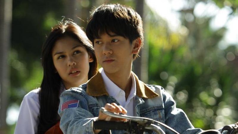 https: img.okeinfo.net content 2019 01 03 206 1999677 film-dilan-1991-bakal-tayang-di-februari-2019-iqKf17Ebpv.jpg