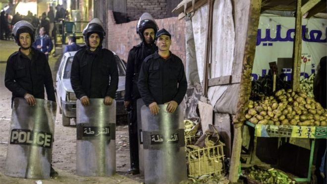 https: img.okeinfo.net content 2019 01 06 18 2000618 polisi-mesir-tewas-saat-menjinakan-bom-di-dekat-gereja-koptik-hmI87JLbKG.jpg