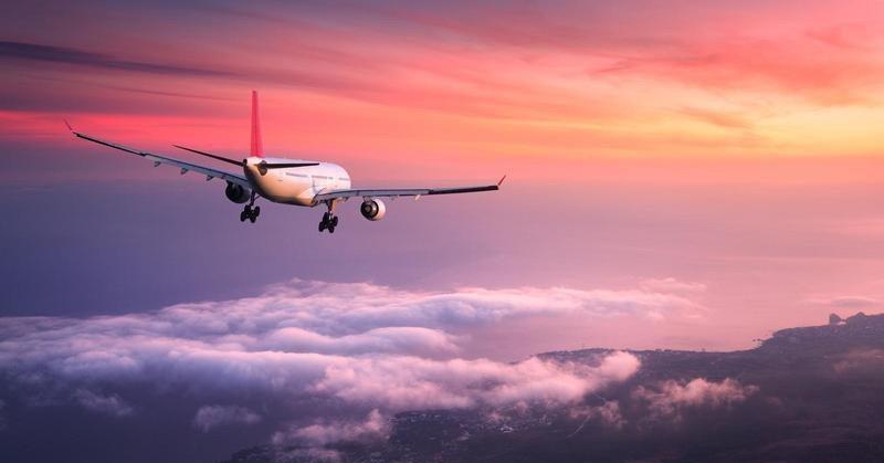 https: img.okeinfo.net content 2019 01 07 207 2001123 mengapa-powerbank-kapasitas-besar-tak-boleh-dibawa-dalam-pesawat-terbang-HqJvIQdcEo.jpg