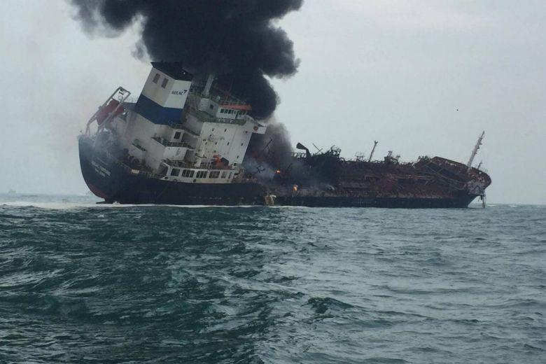 https: img.okeinfo.net content 2019 01 08 18 2001495 kapal-tanker-terbakar-di-perairan-hong-kong-sedikitnya-satu-orang-tewas-TDnTmup8R9.jpg