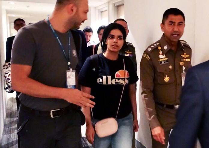 https: img.okeinfo.net content 2019 01 09 18 2002021 australia-pertimbangkan-beri-suaka-gadis-saudi-yang-kabur-ke-thailand-YpitrtYF9k.jpg