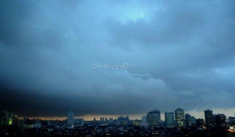 https: img.okeinfo.net content 2019 01 10 338 2002468 usai-diguyur-hujan-jakarta-akan-berawan-hingga-malam-hari-Hz1vbNFrhK.jpg