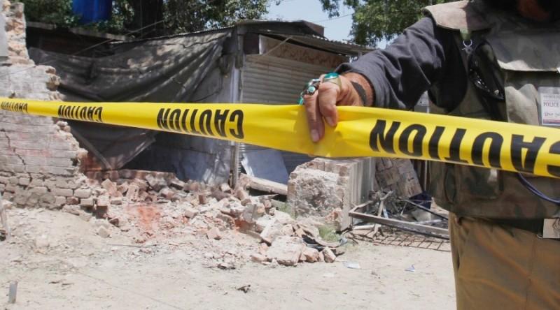 https: img.okeinfo.net content 2019 01 11 18 2003206 pria-belanda-dirawat-di-rumah-sakit-setelah-tiga-jam-berbaring-di-atas-bom-pd-ii-rcCvzTtvhh.jpg