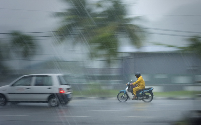 https: img.okeinfo.net content 2019 01 11 338 2002869 hari-ini-sebagian-wilayah-jakarta-diprediksi-hujan-KfUFHw1SOJ.jpg