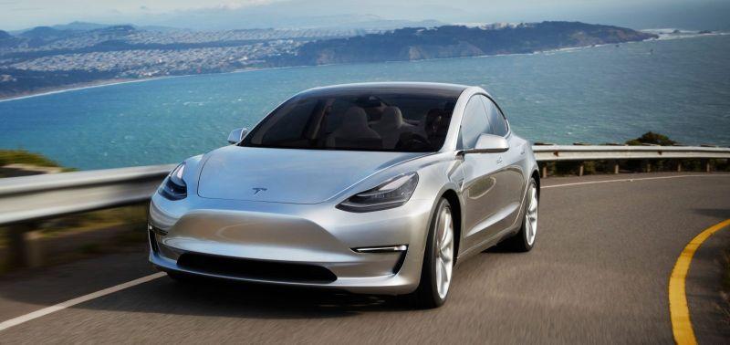 https: img.okeinfo.net content 2019 01 12 15 2003503 bos-mobil-listrik-pastikan-2020-tesla-roadster-bisa-terbang-WpZIYvqpU0.jpg