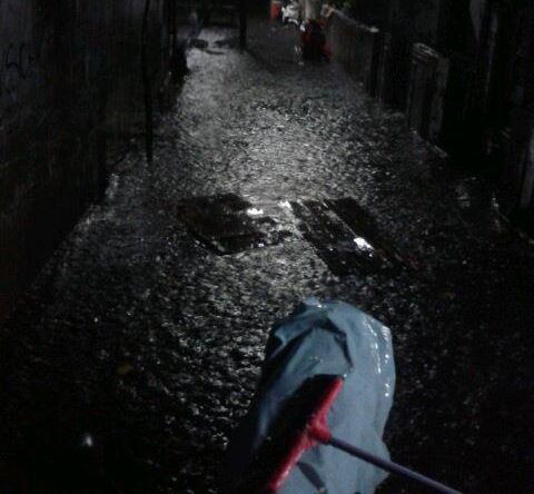 https: img.okeinfo.net content 2019 01 12 338 2003427 hujan-deras-sejumlah-wilayah-di-jakarta-barat-tergenang-9q9kCcsh4u.jpg