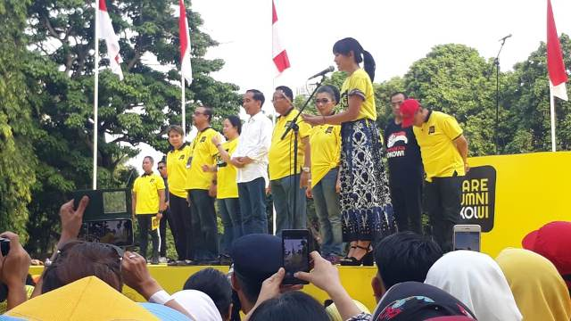https: img.okeinfo.net content 2019 01 12 605 2003594 hadiri-deklarasi-dukungan-alumni-ui-jokowi-cerita-perjalanan-politiknya-bFT1IrvCSK.jpg