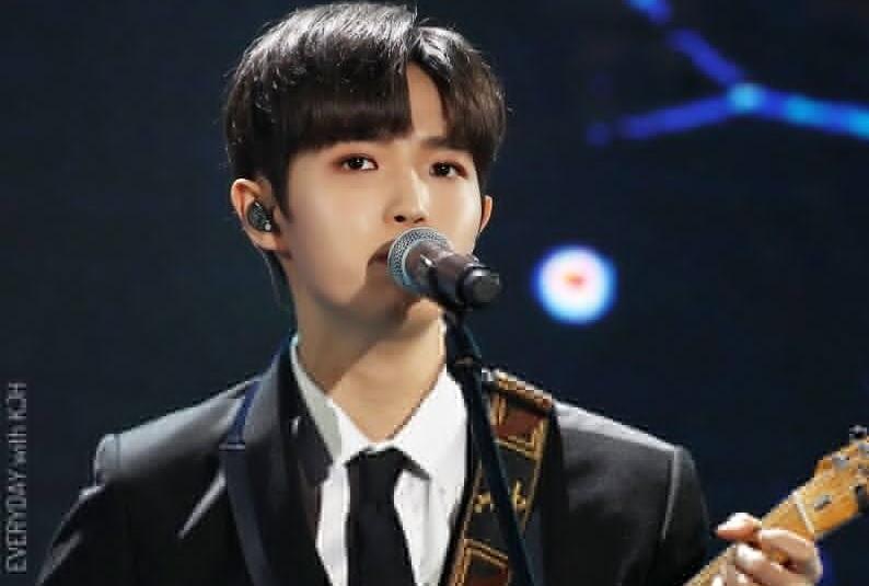 https: img.okeinfo.net content 2019 01 16 33 2005160 kim-jae-hwan-eks-wanna-one-tak-akan-polisikan-haters-yang-berkomentar-jahat-M71DRV6fQ3.jpg