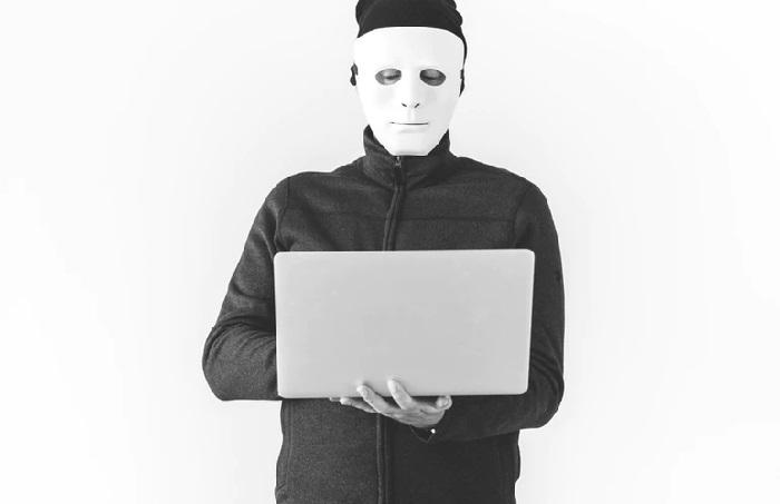 https: img.okeinfo.net content 2019 01 18 207 2006367 ini-cara-hacker-mengintip-ponsel-anda-dan-tips-mencegahnya-fe42Ua0YH6.jpg