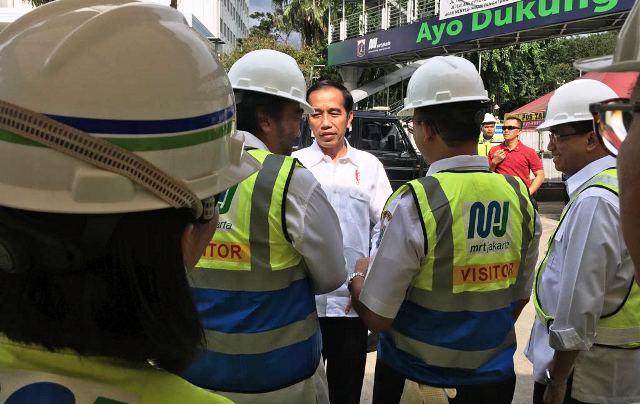 https: img.okeinfo.net content 2019 01 19 525 2006715 presiden-jokowi-akan-bangun-perumahan-subsidi-untuk-berbagai-komunitas-ajuInQNWZ4.jpg