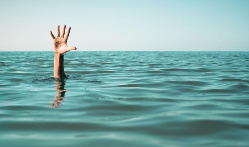 https: img.okeinfo.net content 2019 01 22 512 2008030 perahu-terbalik-penambang-pasir-tenggelam-di-sungai-serayu-Y3qMkA2EMV.jpg