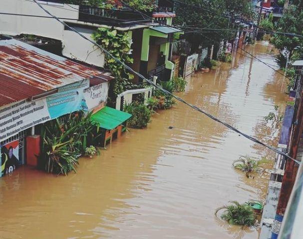 https: img.okeinfo.net content 2019 01 23 609 2008505 korban-tewas-akibat-banjir-dan-longsor-di-sulsel-jadi-9-orang-izsUOUGQPr.jpg