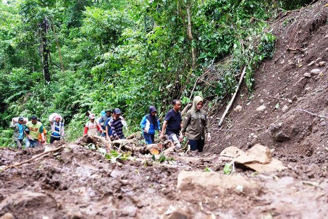 https: img.okeinfo.net content 2019 01 26 609 2009848 korban-tewas-banjir-dan-longsor-di-gowa-tercatat-45-orang-qwZwa0fJo5.jpg