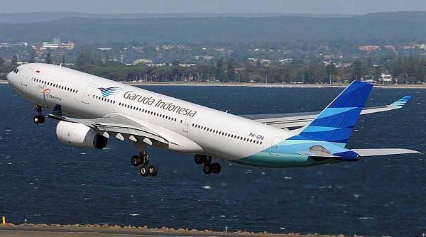 https: img.okeinfo.net content 2019 01 28 337 2010500 penjelasan-garuda-soal-pesawatnya-kembali-ke-bandara-soetta-usai-ada-bau-terbakar-5ZAjQx0FhC.jpg