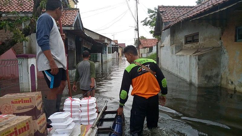 https: img.okeinfo.net content 2019 01 28 512 2010604 korban-banjir-pekalongan-butuh-makanan-siap-santap-obat-gatal-3SO10Q4LNR.jpg