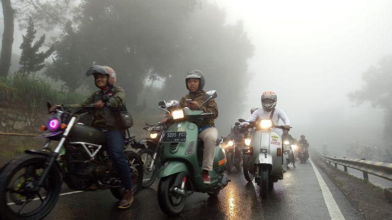 https: img.okeinfo.net content 2019 01 29 15 2010833 angka-kecelakaan-tinggi-1-000-bikers-milenial-tanamkan-road-safety-di-jalan-raya-6pYIpRARiv.jpg