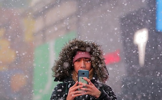 https: img.okeinfo.net content 2019 02 01 56 2012327 suhu-dingin-bikin-mati-ponsel-pintar-ini-penjelasannya-xlWlI1E23D.jpg