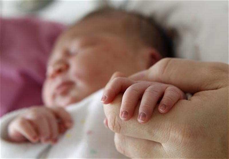 https: img.okeinfo.net content 2019 02 02 18 2012820 pria-india-berencana-tuntut-orangtuanya-karena-melahirkannya-tanpa-minta-persetujuan-fTeSAW4426.jpg