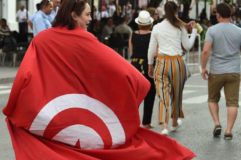 https: img.okeinfo.net content 2019 02 02 18 2012910 wanita-di-tunisia-gelar-unjuk-rasa-agar-bisa-dipoligami-6nguRzXM67.jpg