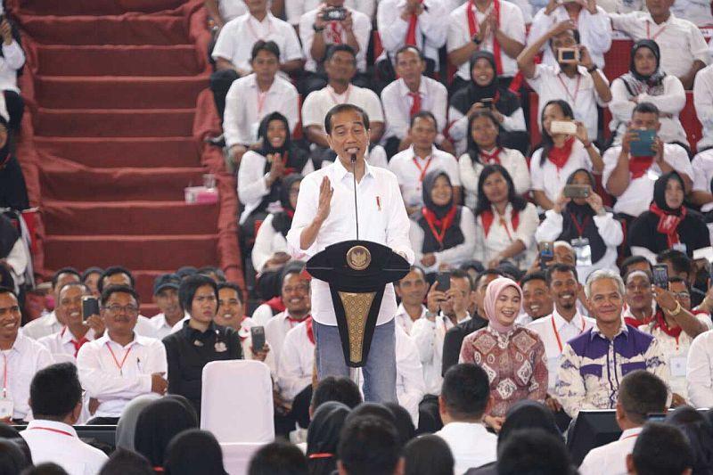 https: img.okeinfo.net content 2019 02 03 320 2013246 presiden-jokowi-indonesia-stop-impor-jagung-3-6-juta-ton-dan-ekspor-380-ribu-ton-v1xXmf8RpU.jpg