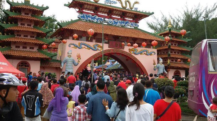 https: img.okeinfo.net content 2019 02 03 406 2013226 5-destinasi-wisata-jakarta-yang-wajib-dikunjungi-saat-imlek-fCqt0Fjs9e.jpg
