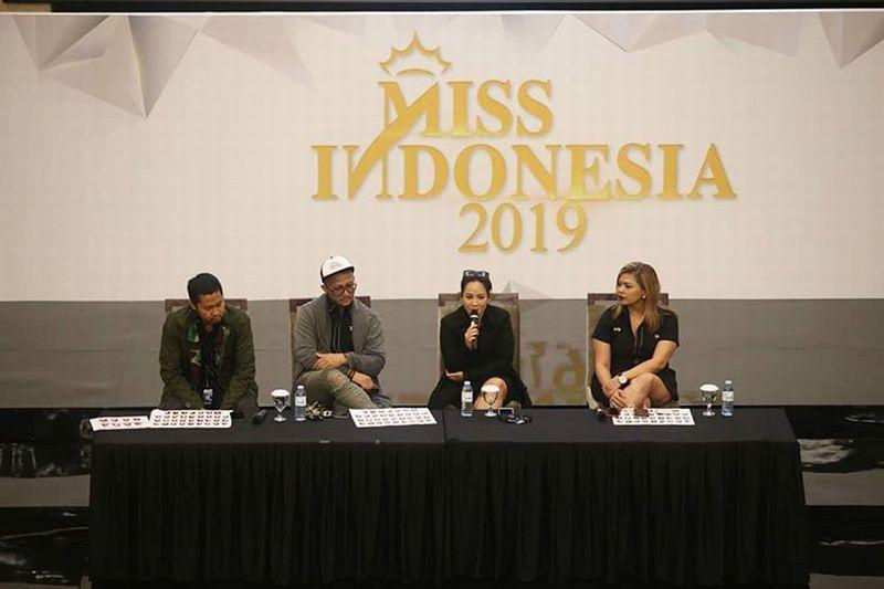 https: img.okeinfo.net content 2019 02 05 194 2014094 karantina-miss-indonesia-2019-akan-lebih-susah-R6HgpHvcpt.jpg