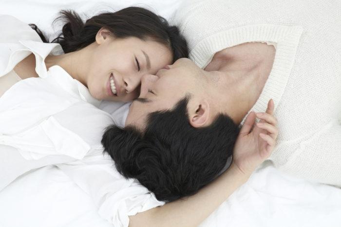 https: img.okeinfo.net content 2019 02 05 485 2013992 kenapa-ya-orang-sering-menutup-mata-saat-seks-oS3o1e0Ksl.jpg