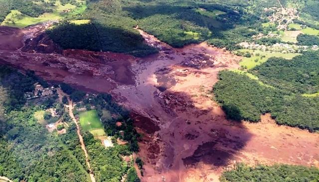 https: img.okeinfo.net content 2019 02 07 18 2014753 korban-tewas-jebolnya-bendungan-di-brasil-mencapai-142-orang-MW0KKsjDfB.jpg