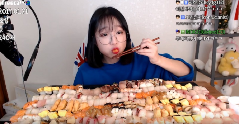 https: img.okeinfo.net content 2019 02 07 298 2014872 240-potong-sushi-ludes-dilahap-cewek-cantik-asal-korea-begah-lihatnya-fLXMixxUi1.jpg