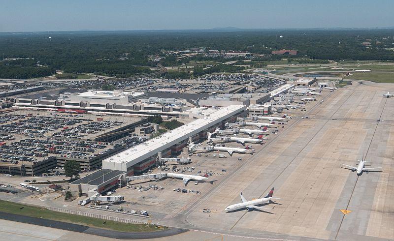 https: img.okeinfo.net content 2019 02 07 320 2014966 habiskan-rp6-triliun-runway-3-bandara-soetta-siap-beroperasi-TTtujrVhql.jpg