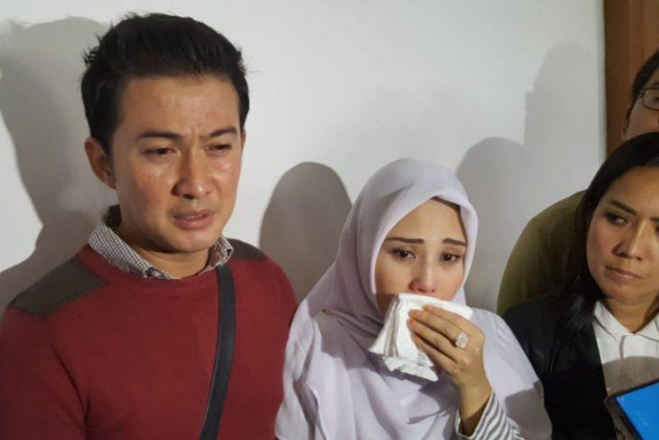 https: img.okeinfo.net content 2019 02 10 33 2016027 istri-beberkan-kondisi-terkini-mandala-shoji-setelah-ditahan-5HbAhL5joi.jpg