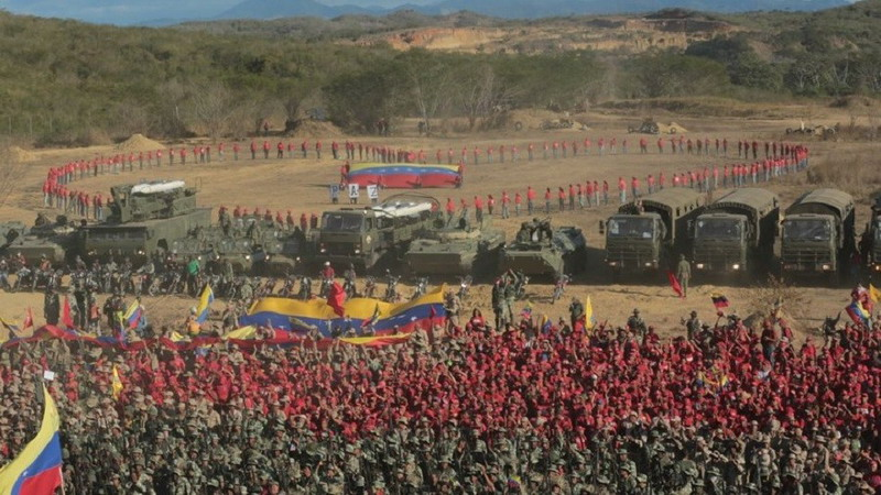 https: img.okeinfo.net content 2019 02 11 18 2016299 maduro-pimpin-latihan-militer-terbesar-venezuela-di-tengah-kemungkinan-invasi-as-3IGLCkMpeN.jpg