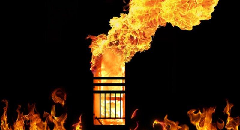 https: img.okeinfo.net content 2019 02 12 18 2016773 kebakaran-hotel-di-new-delhi-tewaskan-sembilan-orang-termasuk-anak-anak-GOzdny4SUE.jpg