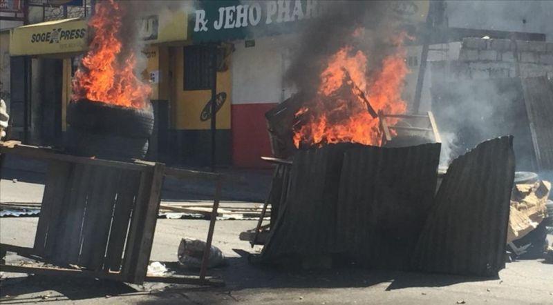 https: img.okeinfo.net content 2019 02 12 18 2016908 haiti-memanas-rakyat-berdemonstrasi-tuntut-presiden-mundur-FMAi2iFQJX.jpg