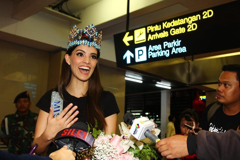 https: img.okeinfo.net content 2019 02 12 196 2016708 tiba-di-indonesia-miss-world-2018-vanessa-ponce-akui-orang-indonesia-ramah-ramah-Cc7rj501OD.jpeg