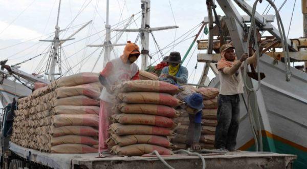 https: img.okeinfo.net content 2019 02 12 278 2016743 akuisisi-holcim-semen-indonesia-targetkan-ekspor-5-juta-ton-semen-EV6dDB4gFt.jpg